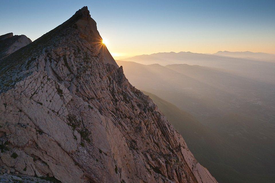 Le spettacolari balconate del Monte Camicia, nel Parco Nazionale del Gran Sasso